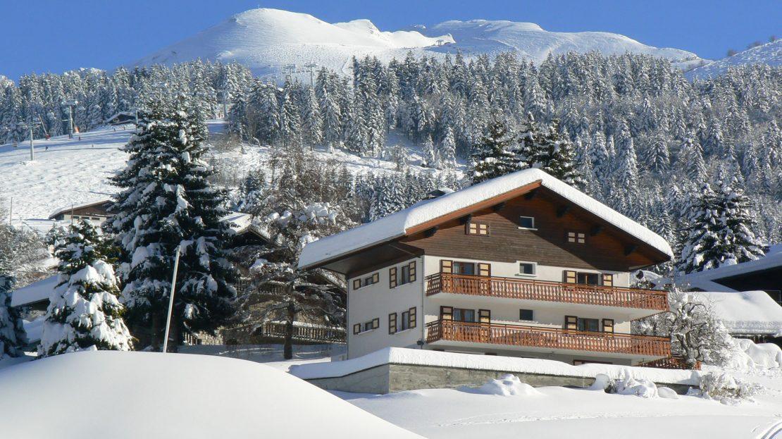 La Clusaz Locations - Chalet le Bouton d'Or - Au pied des pistes - Massif de l'Aiguille - Rdc