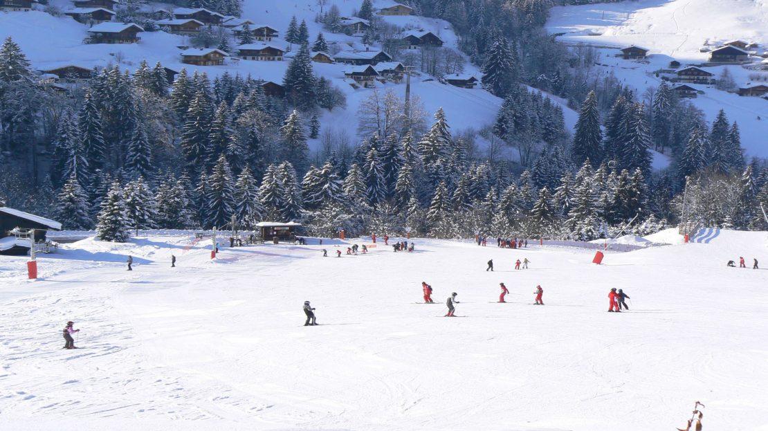 La Clusaz Locations - Chalet le Bouton d'Or - Vue panoramique sur les pistes - rdc