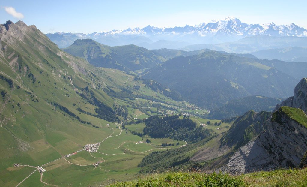 La Clusaz Locations - Vue panoramique chaîne du Mont Blanc